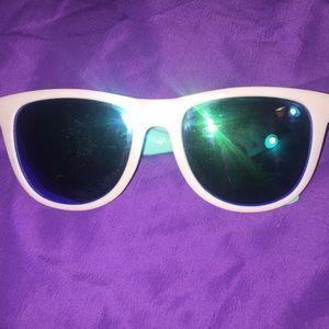 PINK sun glasses.